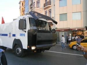 Police move in -Taksim Square September 2013